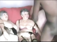 Neger hat Sex Party mit Grannys