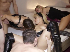 Total verfickte Porno Party mit Dirty Tina